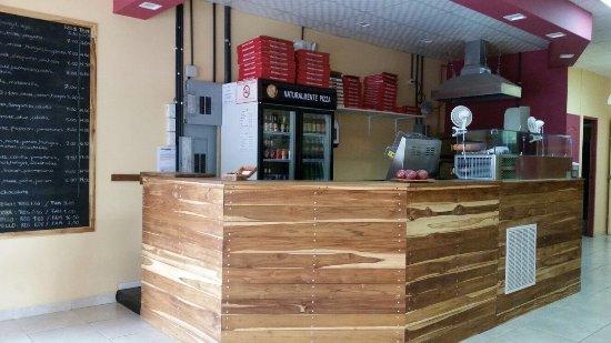Las Lajas, Panama: banco Pizza