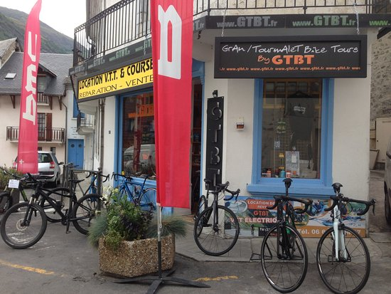 Luz-Saint-Sauveur, França: Our bike shop in Luz Saint Sauveur