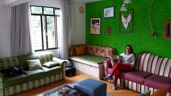 Curitiba Casa Hostel Foto Da Sala Depois Do Quarto Meu Ambiente Preferido Sofás Coloridos