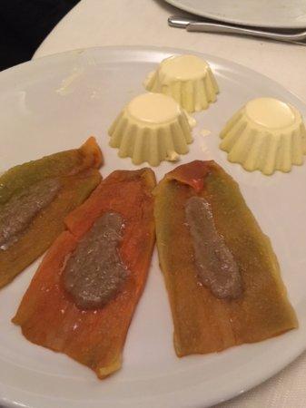 peperoni con bagna caoda e tortino di cavalfiore - Picture of ...