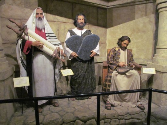 Petersburg, KY: Isaiah, Moses, and King David