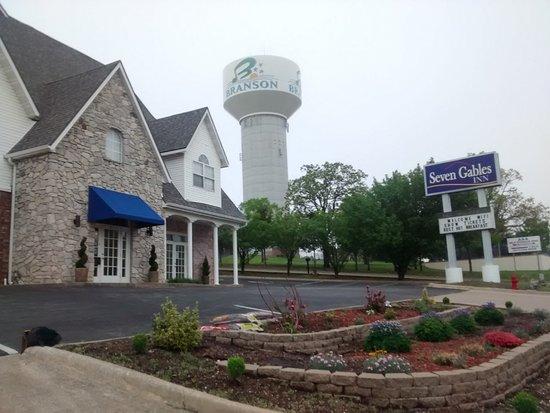 Seven Gables Inn: Street View