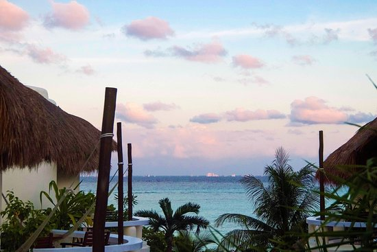 Playa Palms Beach Hotel: Beautiful sunsets to delight the senses from your Playa Palms balcony