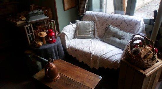 caf le bon coin trevoux restaurant avis num ro de t l phone photos tripadvisor. Black Bedroom Furniture Sets. Home Design Ideas