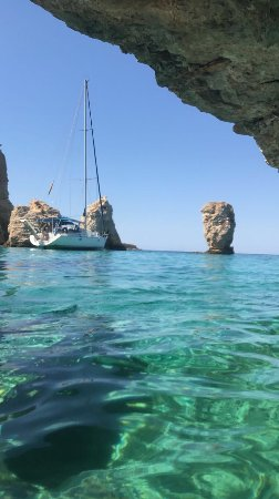 Plaka, Grecia: Excursion out of Naxos. The water is crystal clear everywhere