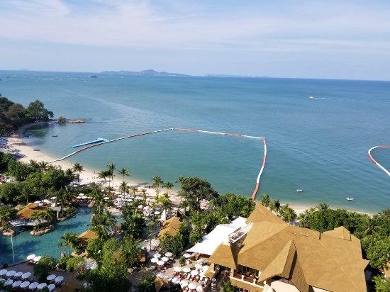 Centara Grand Mirage Beach Resort Pattaya: 20171231_093424_large.jpg