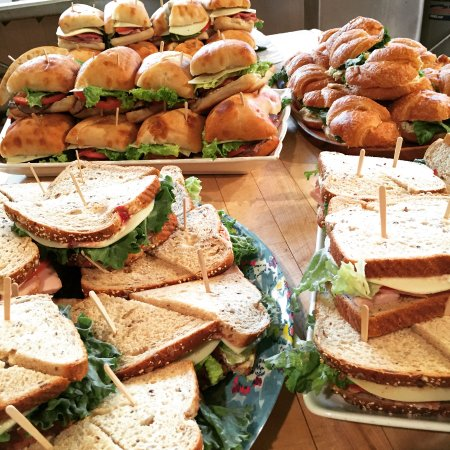 Reidsville, Carolina del Norte: Catering Sandwiches ready to go