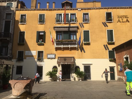 Hotel Ala - Historical Places of Italy: Front of hotel Ala