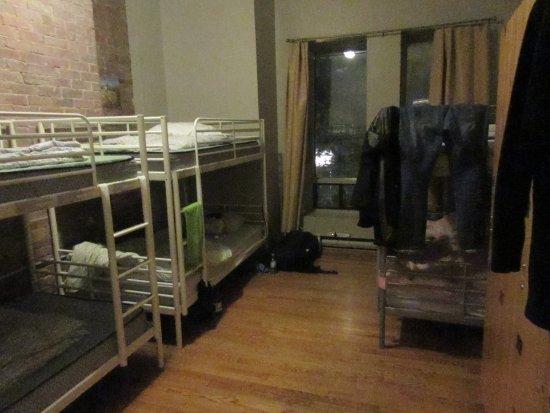Auberge L'Apero: 6 bed dorm