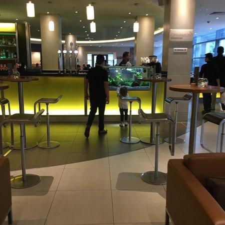 Hilton London Canary Wharf: photo1.jpg