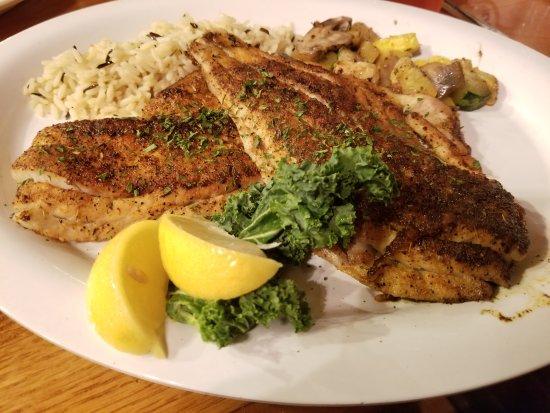 Friendly Fisherman Restaurant : blackened fresh catch