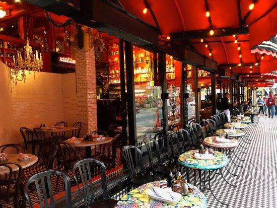 Calzone's Restaurant: Exterior