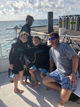 Compass Point Dive Resort: Dive boat and master
