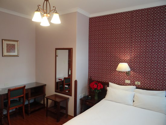 Hotel real audiencia 62 9 0 updated 2018 prices for Design hotel quito