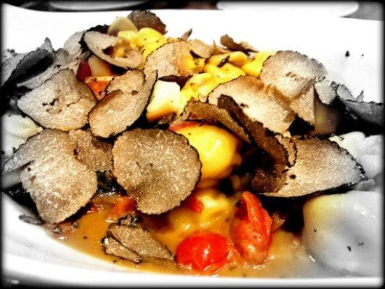 Le Sorelle Restaurant Fiocchetti Provola Mushrooms And Truffles Italian In Boca Raton