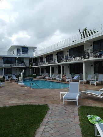 High Noon Beach Resort: 0112181443a_large.jpg