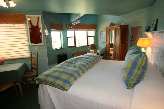 Country Cottage of Langley: Catalina Cottage with King or Twin beds