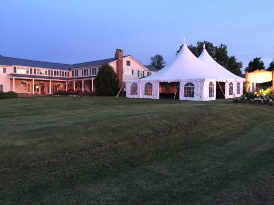 Cooper Hill Inn: Wedding Tent for about 80people