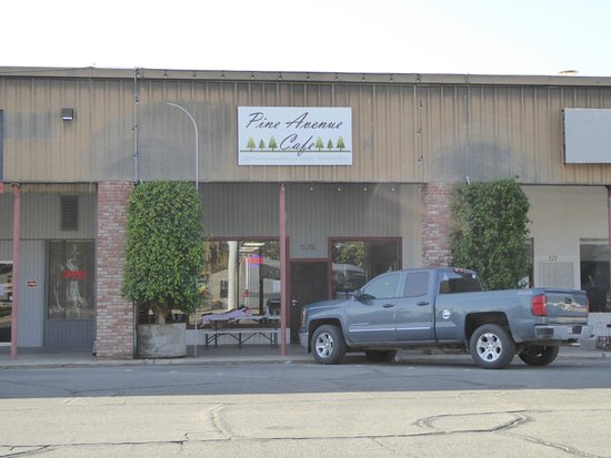 Holtville, Kalifornien: Easy find across from the City Hall