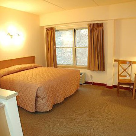 First Gold Hotel: Guest room