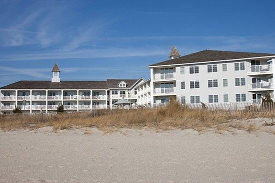 Sandpiper Beach Resort : Exterior