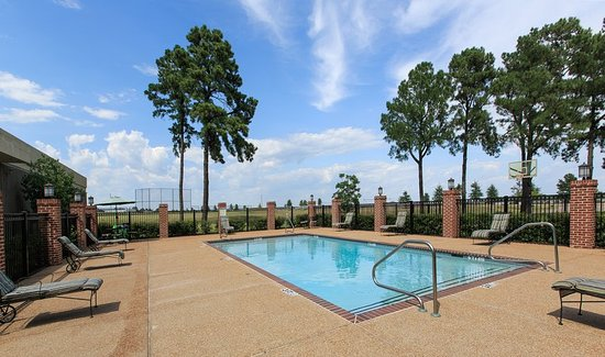 Olive Branch, MS: Pool