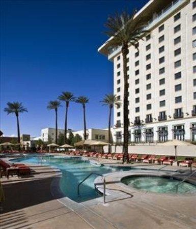 Fantasy Springs Resort Casino: Exterior