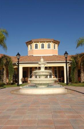 WorldQuest Orlando Resort: Exterior