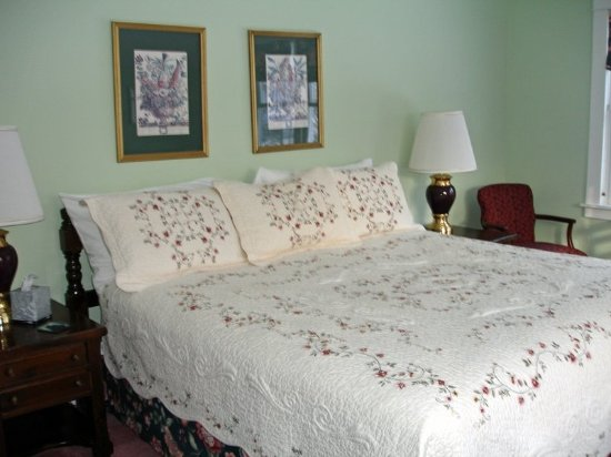 Hanover, NH: Guest room