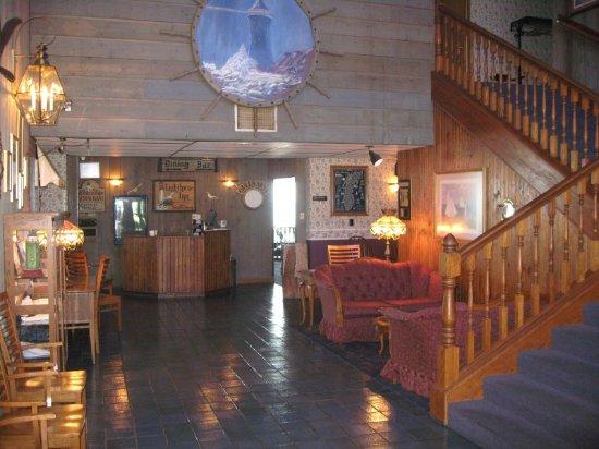 Lighthouse Inn Hotel: Lobby
