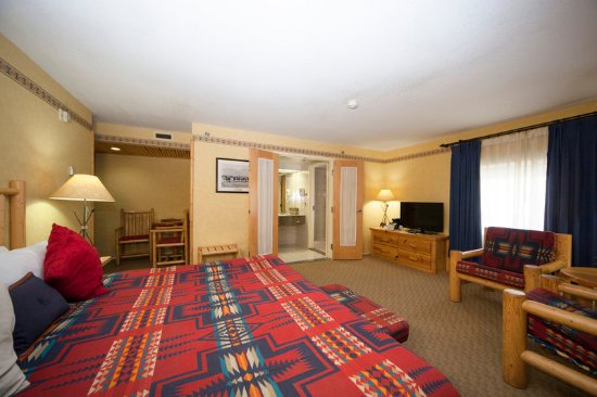 Brewster's Mountain Lodge: Guest room