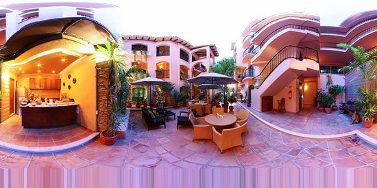 Acanto Hotel & Condominiums: Exterior