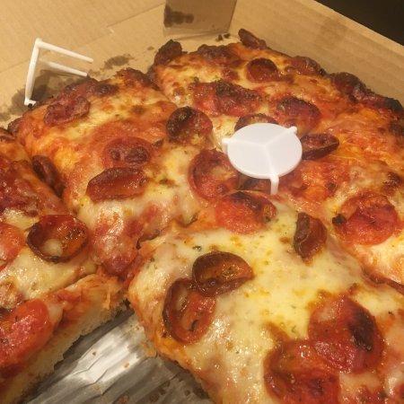 Camano Island, واشنطن: Sicilian pizza with pepperoni