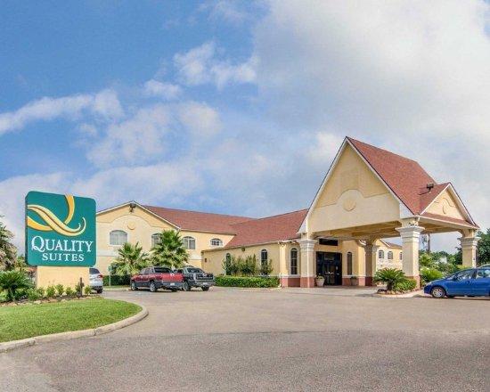 Quality Suites North : Exterior