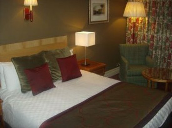 hallmark hotel irvine reviews photos price comparison. Black Bedroom Furniture Sets. Home Design Ideas