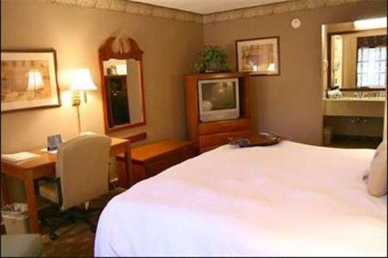 Econo Lodge Columbus: Guest room