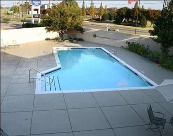 Econo Lodge Columbus: Pool