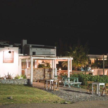 Manantiales, Uruguay: El Refugio