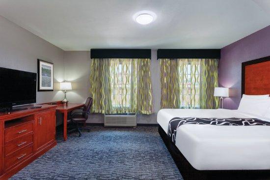 Powell, TN: Suite