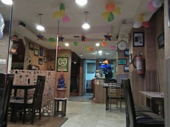 foto de affetto cafe lounge jaipur youth new hangout party place romantic candle. Black Bedroom Furniture Sets. Home Design Ideas