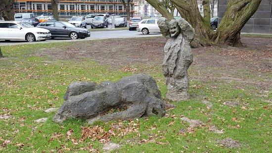 Skulpturengruppe Die Grosse Familie