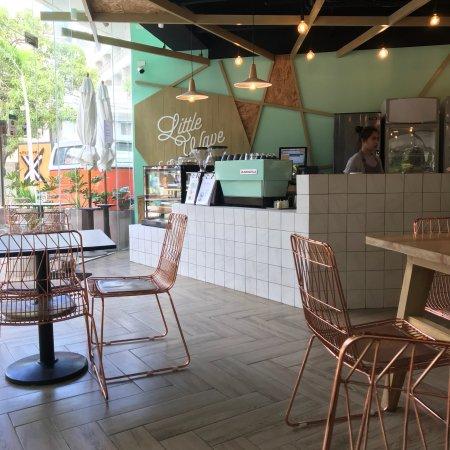 Little Wave Café 店内