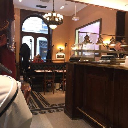 Gerloczy Kavehaz Cafe and Restaurant : photo1.jpg