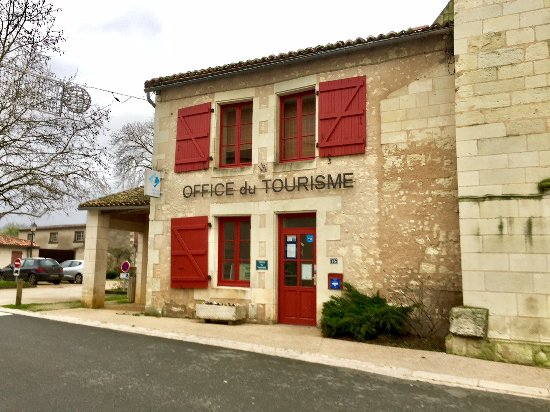 Un ot accol l 39 glise au centre du village office de tourisme vendeuvre du poitou resmi - Office du tourisme aquitaine ...