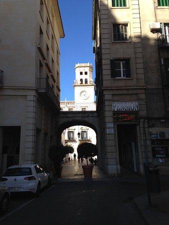 Ayuntamiento de Alicante: Looking towards plaza and town hall under arch
