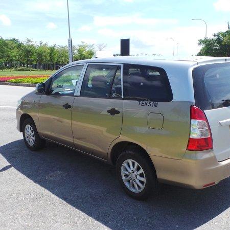 Shah Alam, Malaysia: Mpv Taxi Service