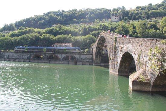 Borgo a Mozzano, Italia: ponte 2
