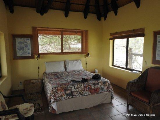 Okaukuejo, Namibia: A cosy bed.