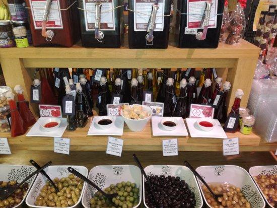Farleigh Road Farm Shop: Oils and vinegar's to try