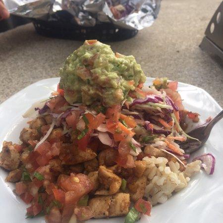 Jalapeno Eatery & Market: Burrito bowl with grilled shrimp and fresh fish tacos... amazing